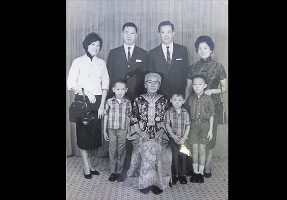 戰後的全家福