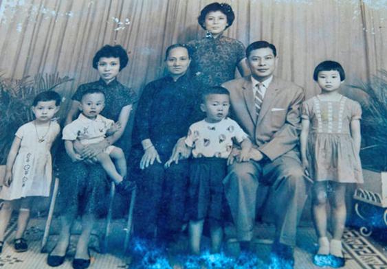 吴展鸿的家庭照