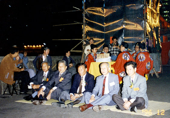 出席1996年打醮的三房父老(一)