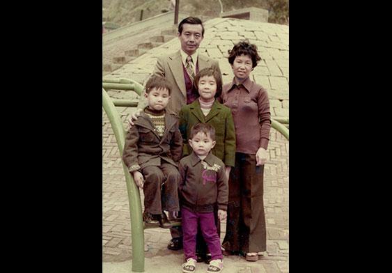 吳鴻安與妻兒