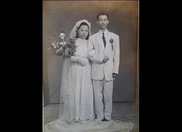 父母的结婚照